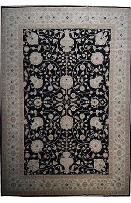Sultanabad.Black/Ivory